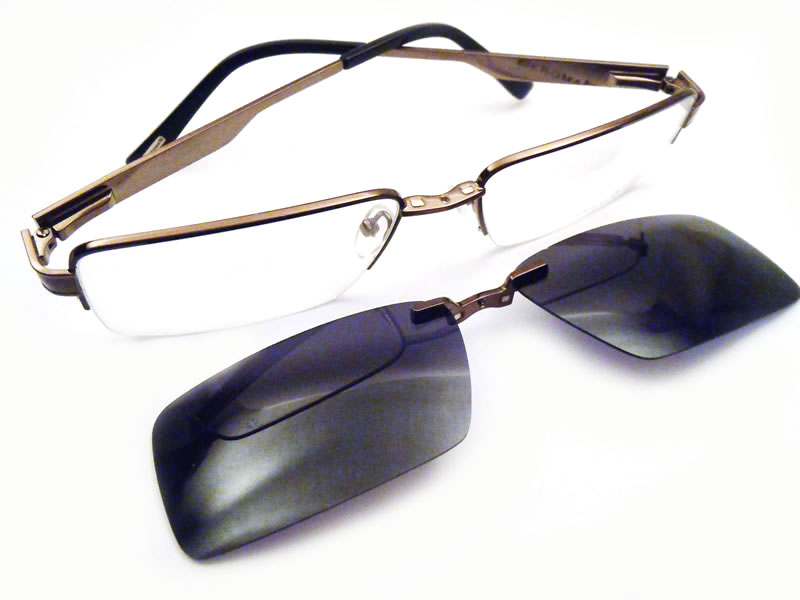Easyclip eyeglasses with clip off